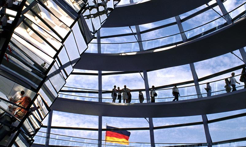 Rigsdagen indefra, den ny tilbygning ( kuppel ), Berlin, Tyskland.